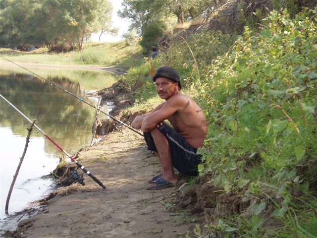 рыбалка в астрахани в апреле 2016 дикарем